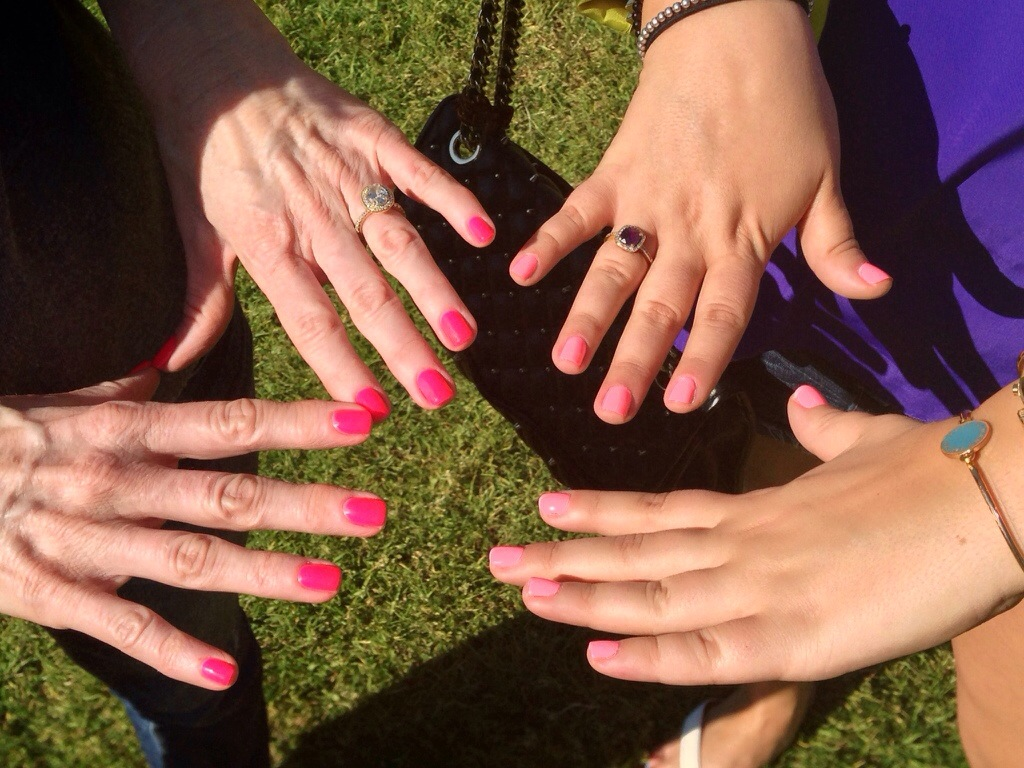 MissyOnMadison Mani Manicure Friends Nails Beauty Essie Nail Polish Blog Blogger