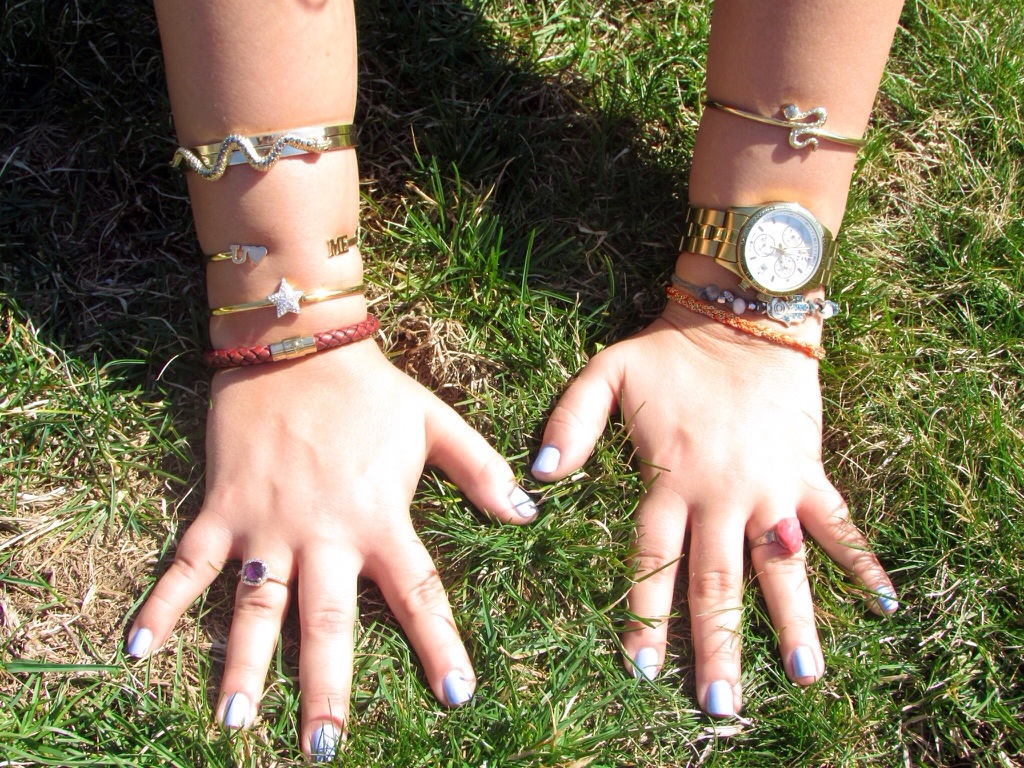 jewels capwell co timex watch fashion fashion blogger gold festival coachella grass mani manicure essie nails snakes trends missyonmadison