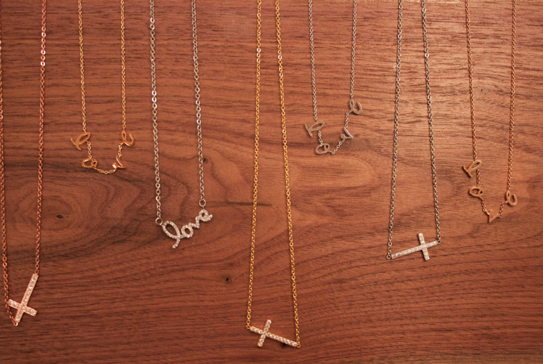 chicpeek style blog blogger dietchpr missyonmadison style jewelry fashionblog fashionblogger styleblog gold love cross